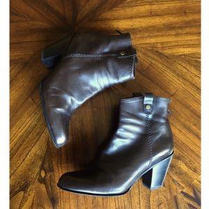 🆕🛍✨ Stuart Weitzman Brown Leather Boots